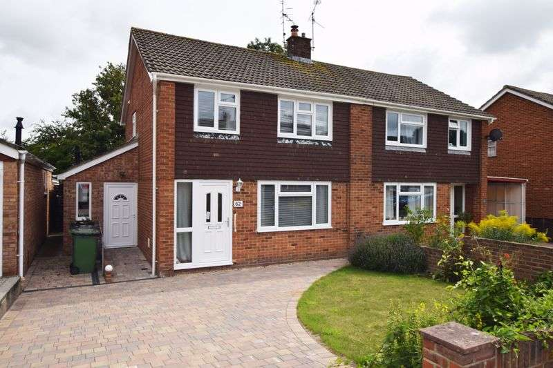 3 Bedrooms Property for sale in Bolle Road, Alton, Hampshire