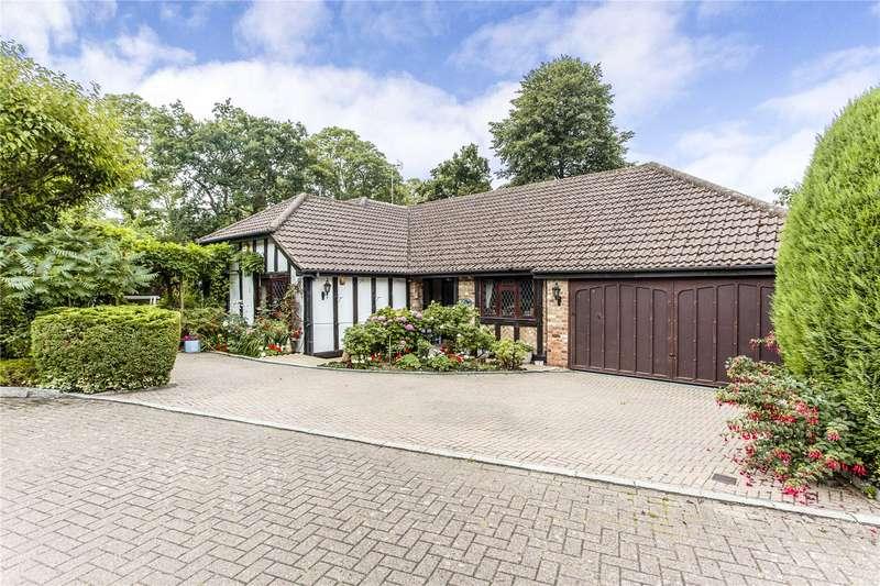 4 Bedrooms Bungalow for sale in Shepherds Walk, Bushey Heath, WD23