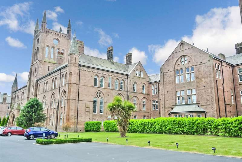 1 Bedroom Apartment Flat for sale in The Residence, Lancaster - a stunning aprtment with a private garden