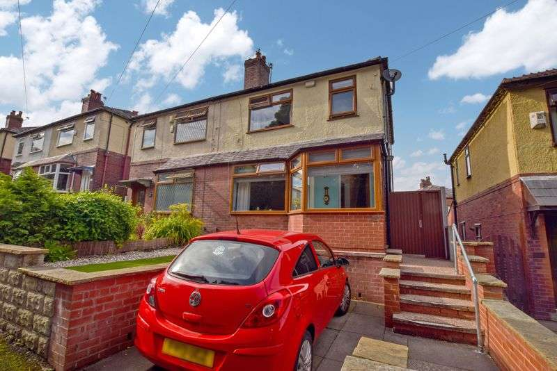 3 Bedrooms Property for sale in Holden Avenue, Sharples - Viewings strictly by appointment only