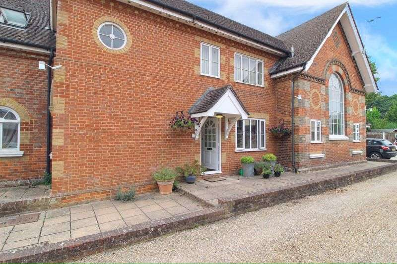 2 Bedrooms Property for sale in Lingfield Road, Edenbridge