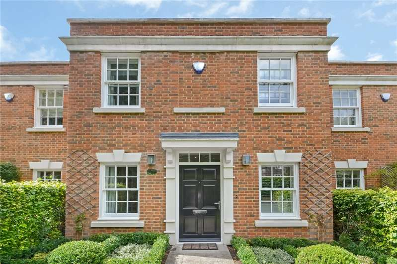 3 Bedrooms Terraced House for sale in Elizabeth Place, Chilbolton Avenue, Winchester, Hampshire, SO22