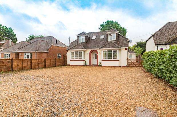 4 Bedrooms Detached House for sale in Fernhill Road, Farnborough, Hampshire