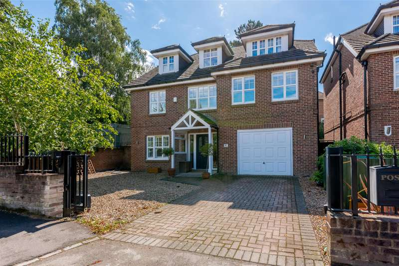 5 Bedrooms Detached House for sale in Park Farm Road, Bickley, Bromley, BR1