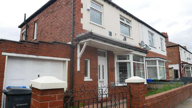 3 Bedrooms Property for sale in Laburnum Road, Manchester