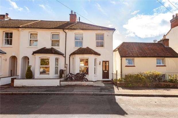 3 Bedrooms End Of Terrace House for sale in Pavilion Road, Aldershot, Hampshire