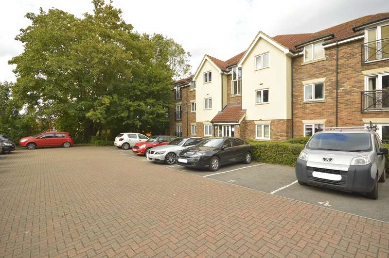 2 Bedrooms Apartment Flat for sale in Roland House, Harris Place, Tovil, Maidstone, ME15