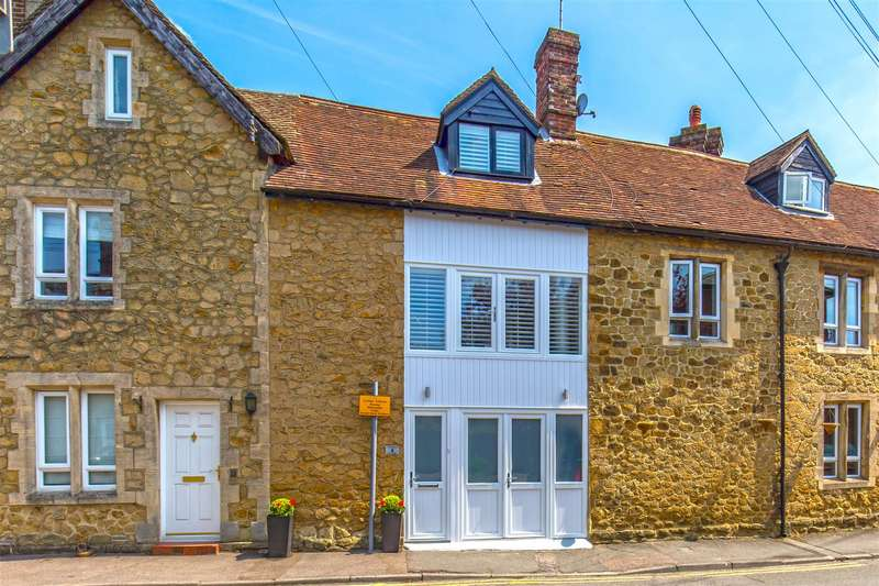 2 Bedrooms Terraced House for sale in New Street, Westerham