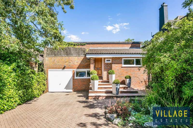 4 Bedrooms Detached House for sale in Deacons Hill Road, Elstree, Borehamwood