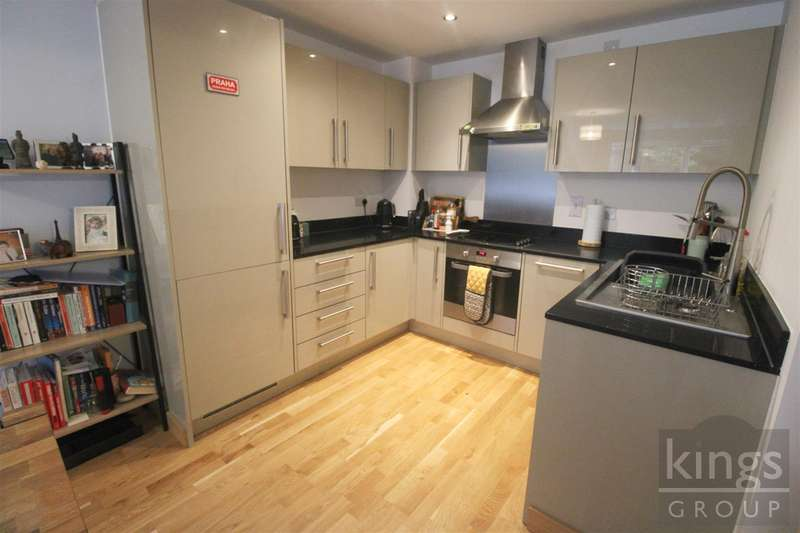 2 Bedrooms Apartment Flat for sale in Smeaton Court, Hertford