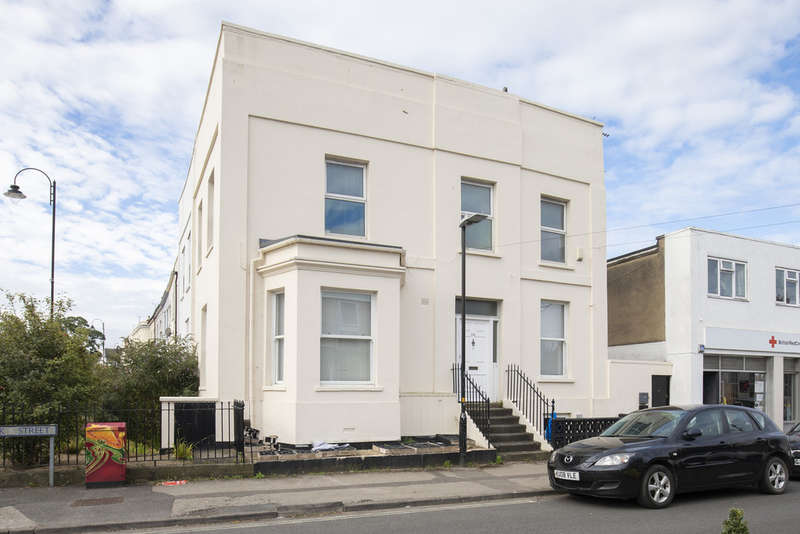 1 Bedroom Flat for sale in Bath Road, Cheltenham GL53 7LZ