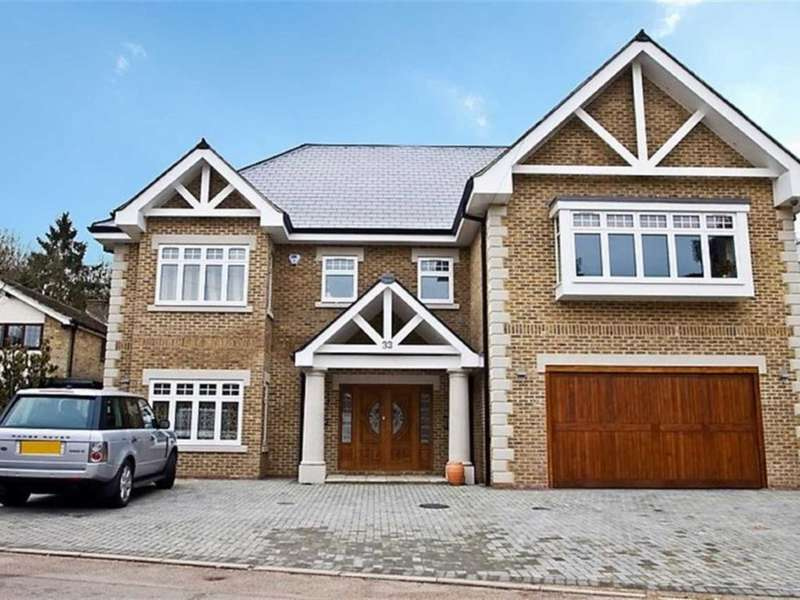 7 Bedrooms Detached House for sale in Barham Avenue. Elstree