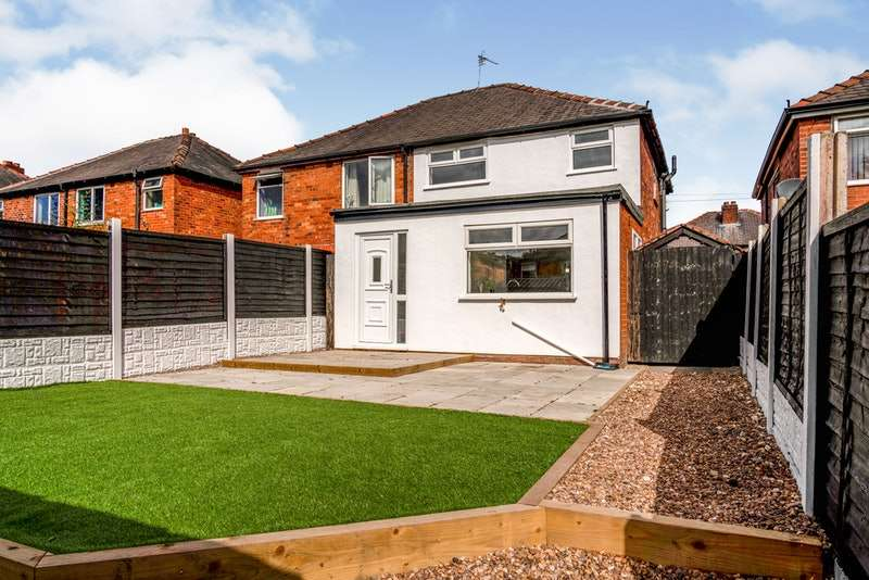 3 Bedrooms Semi Detached House for sale in Edna Road, Leigh, Greater Manchester, WN7