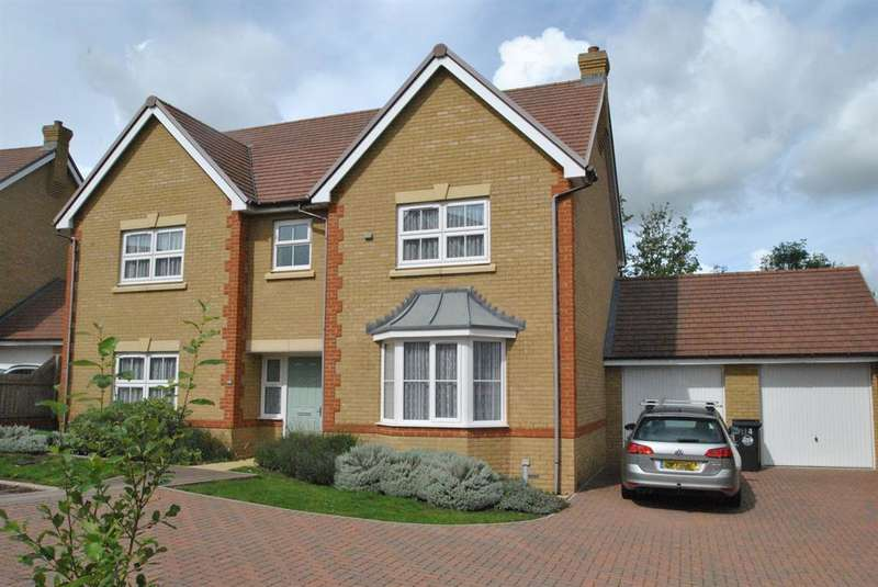 5 Bedrooms Detached House for sale in Longmead, Buntingford, Buntingford, SG9 9EF