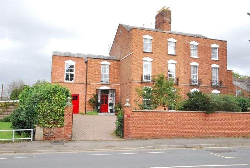 9 Bedrooms Property for sale in Kingsholm Road,