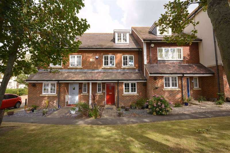 4 Bedrooms Terraced House for sale in College Gardens, Westgate-On-Sea, Kent