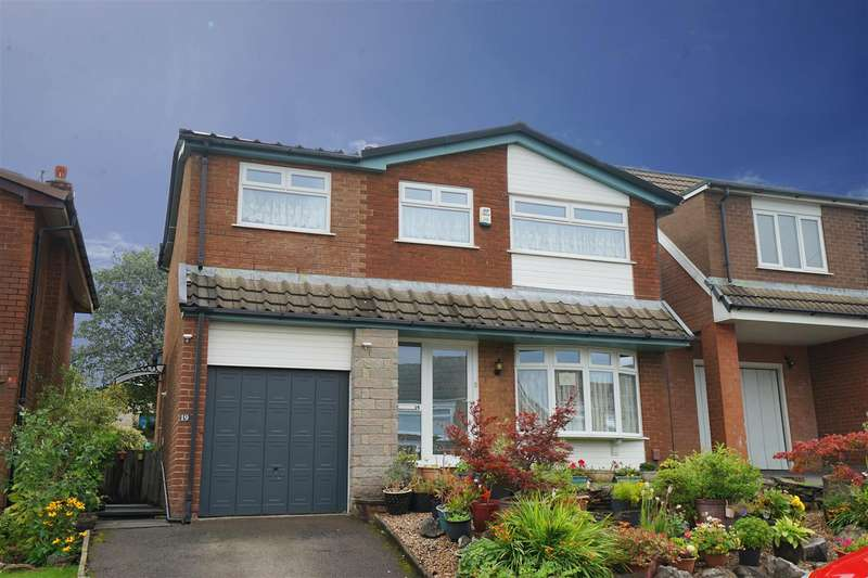 4 Bedrooms Detached House for sale in Bond Close, Horwich, Bolton