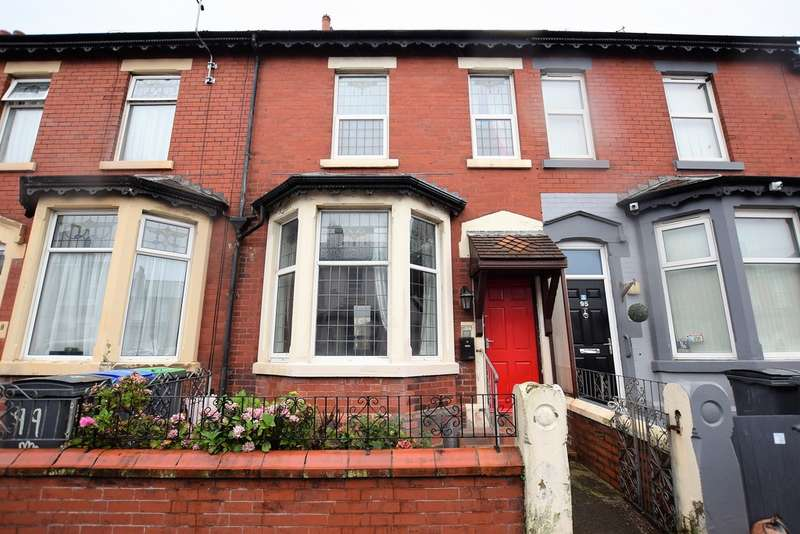 3 Bedrooms Terraced House for sale in Peter Street, Blackpool