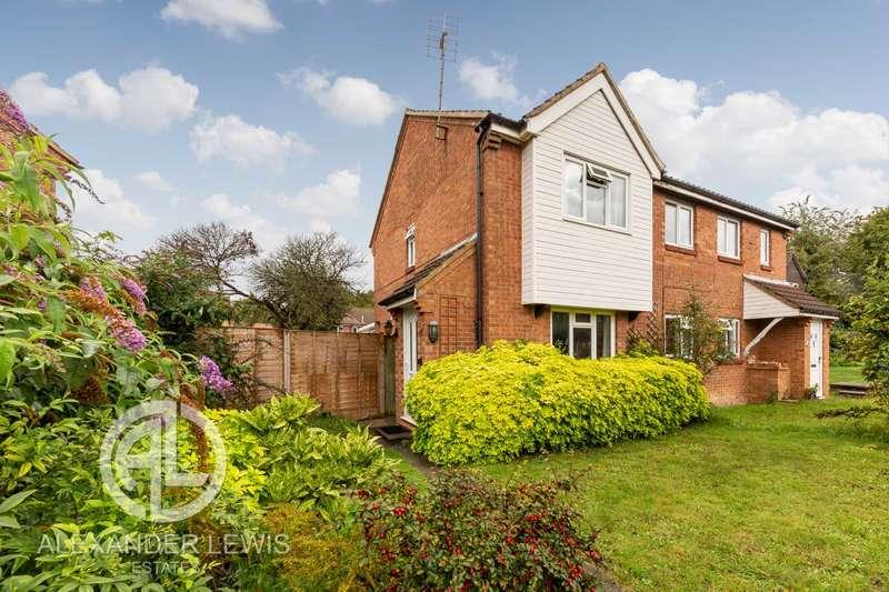 2 Bedrooms Semi Detached House for sale in Alder Close, Baldock, Herts, SG7 6HN