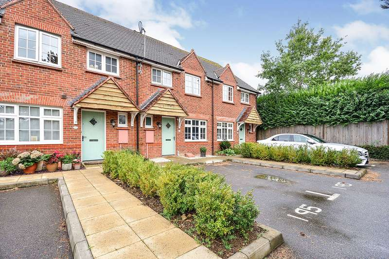 3 Bedrooms House for sale in Keble Place, Maidstone, Kent, ME15