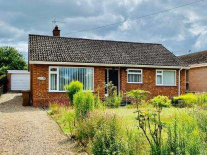 3 Bedrooms Bungalow for sale in Wroxham, Norwich, Norfolk
