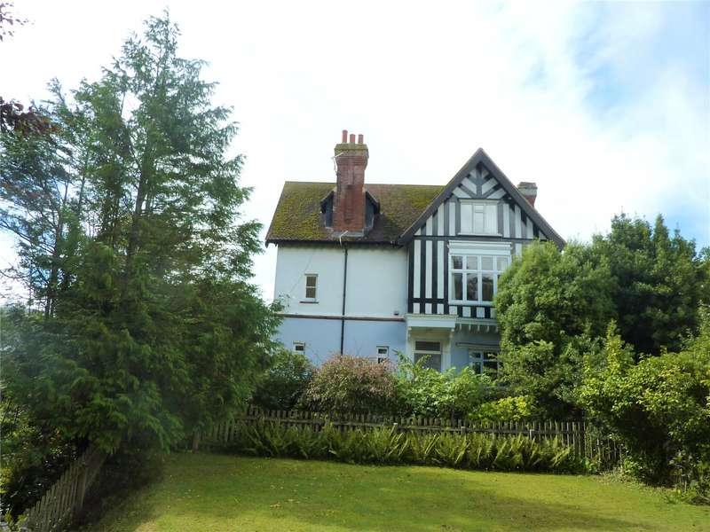 2 Bedrooms Apartment Flat for rent in Crossways, Manor Road, Sidmouth, Devon, EX10