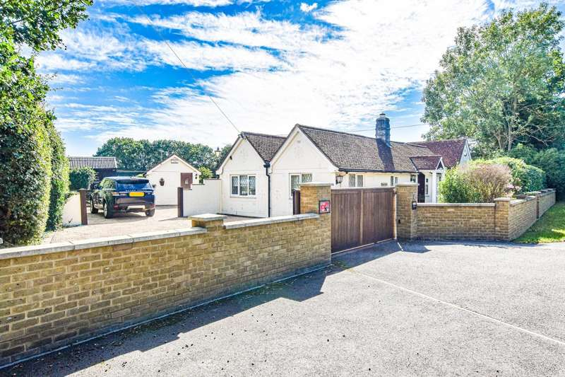 3 Bedrooms Detached Bungalow for sale in Stortford Road, Little Canfield, Dunmow
