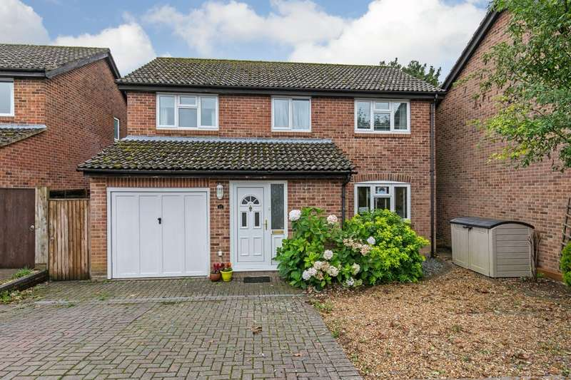 4 Bedrooms Detached House for sale in Pine Close, South Wonston, Winchester, SO21