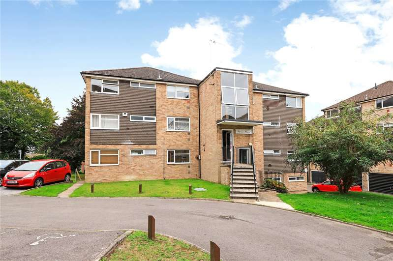 2 Bedrooms Flat for sale in Warner Court, Northlands Drive, Winchester, Hampshire, SO23