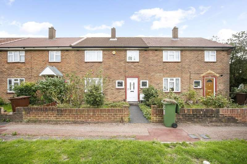 3 Bedrooms Property for sale in Padnall Road, Chadwell Heath, Romford, RM6
