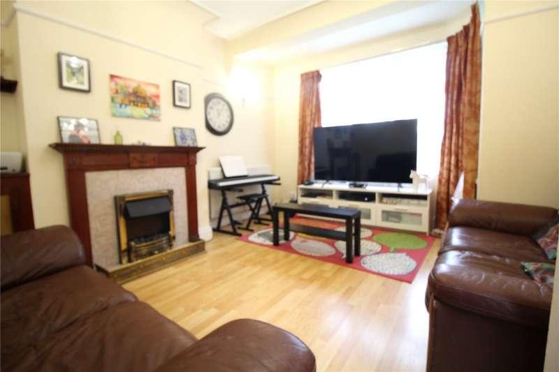 3 Bedrooms Property for rent in The Gardens, Harrow