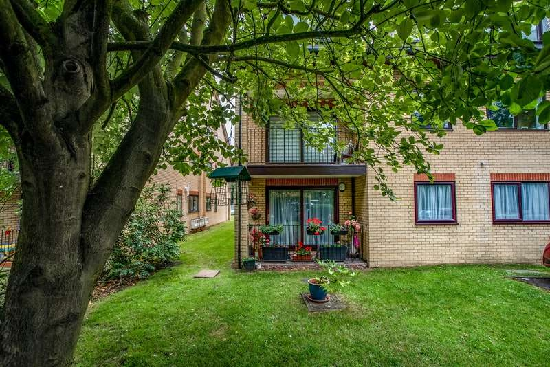 2 Bedrooms Apartment Flat for sale in Albemarle Road, Beckenham, Kent, BR3