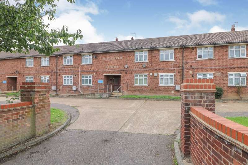 1 Bedroom Flat for sale in Hatfield Close, Ilford, IG6