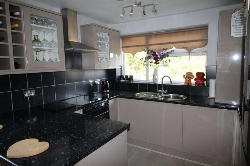 2 Bedrooms Flat for sale in Cornbrook, Skelmersdale, WN8