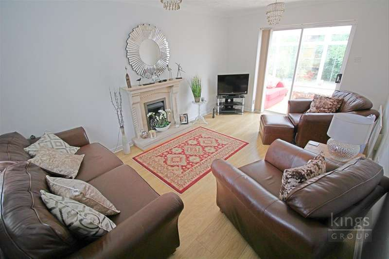 3 Bedrooms Detached House for sale in Aynsley Gardens, Church Langley