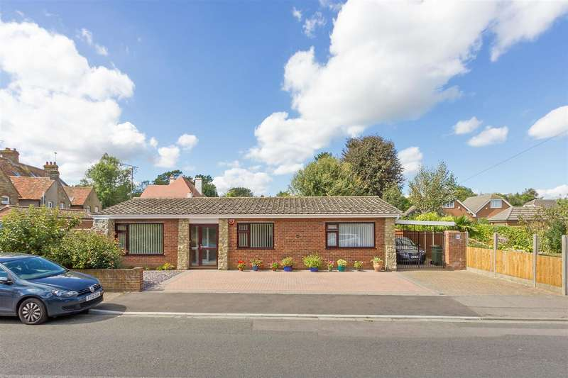 3 Bedrooms Detached Bungalow for sale in Cranbrook Drive, Tunstall, Sittingbourne