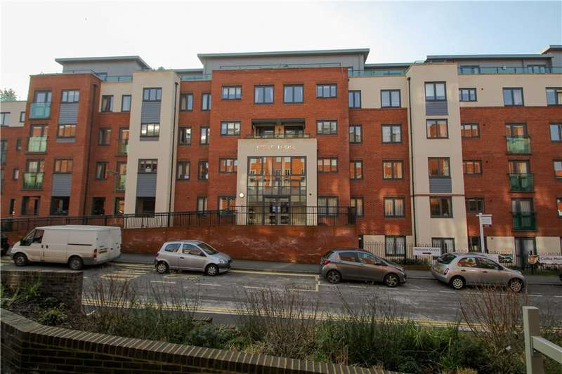 2 Bedrooms Retirement Property for sale in Stokes Lodge, Park Lane, Camberley, Surrey, GU15