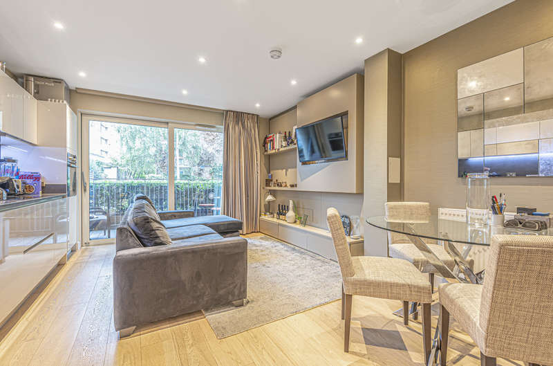 2 Bedrooms Flat for sale in Globe View House, London