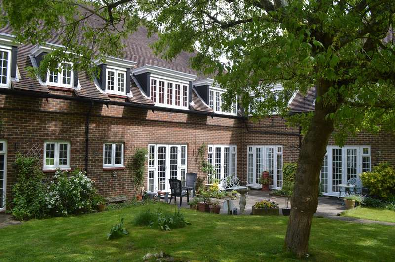 2 Bedrooms Retirement Property for sale in Barnside Court, Welwyn Garden City, AL8