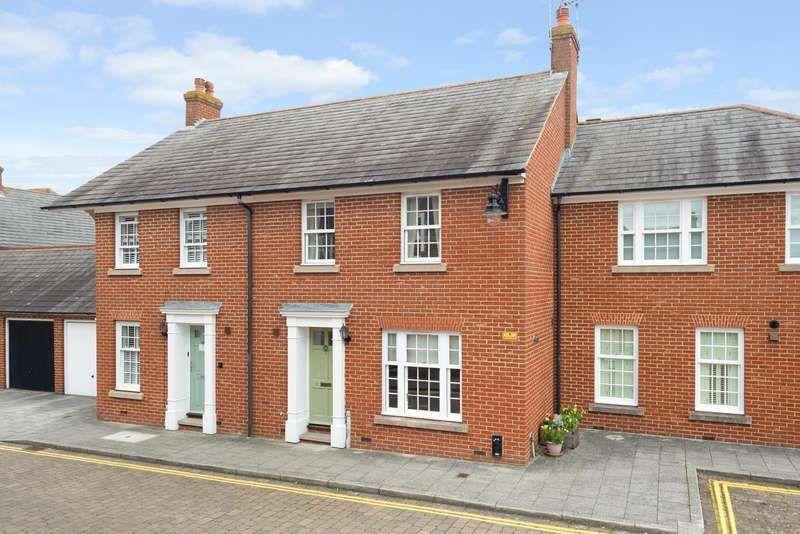 3 Bedrooms Terraced House for sale in Carriage Mews, Canterbury, CT2