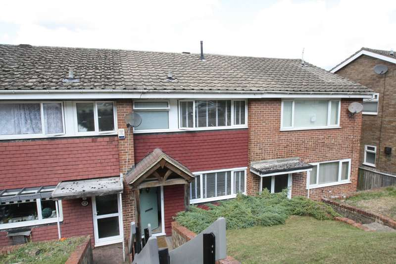2 Bedrooms Terraced House for sale in Scarborough Close, Biggin Hill, Westerham, TN16