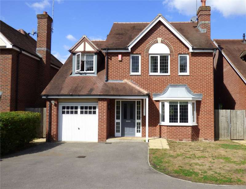 4 Bedrooms Detached House for sale in Eaves Close, Addlestone, Surrey, KT15