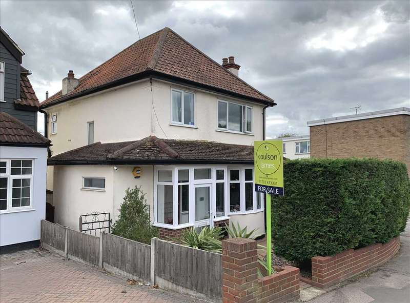 3 Bedrooms Detached House for sale in Eastwood
