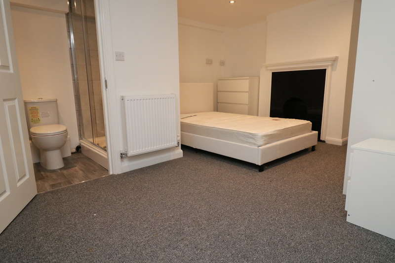 4 Bedrooms House Share for rent in Randall Street, Maidstone, Kent
