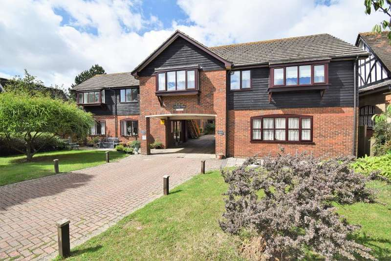 1 Bedroom Flat for sale in Elizabeth Court, Bembridge, Isle of Wight, PO35 5SN