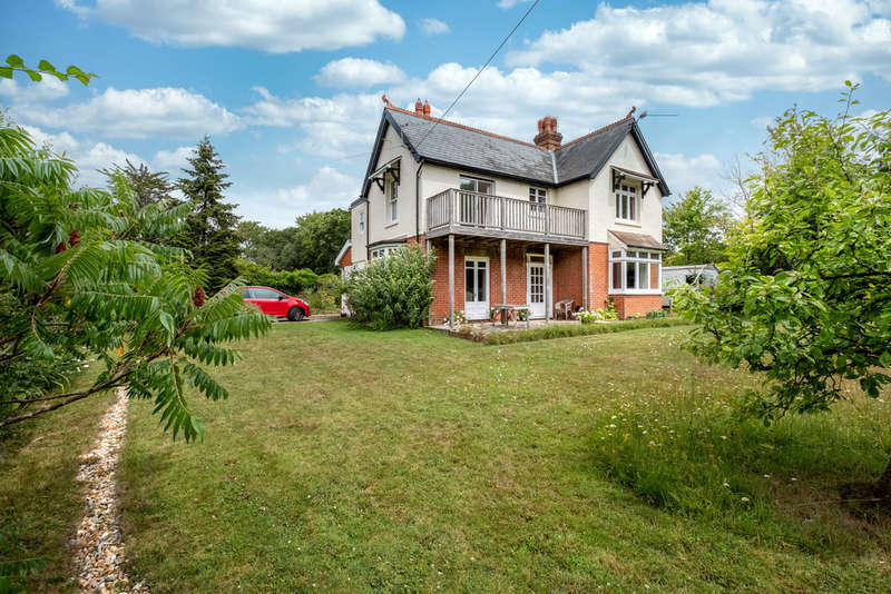 4 Bedrooms Detached House for sale in Cranmore, Isle of Wight