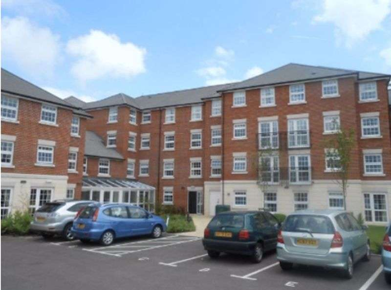 1 Bedroom Property for sale in Weighbridge Court, High Street- **SPACIOUS ONE BEDROOM APARTMENT**