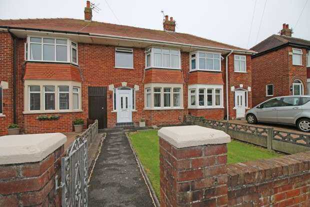 3 Bedrooms Terraced House for sale in Rivington Avenue, Bispham, FY2