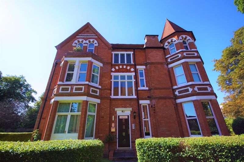 1 Bedroom Property for rent in Lodge House, Wake Green Road