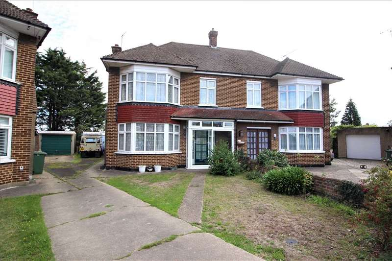 3 Bedrooms Semi Detached House for sale in Masefield Road, Grays